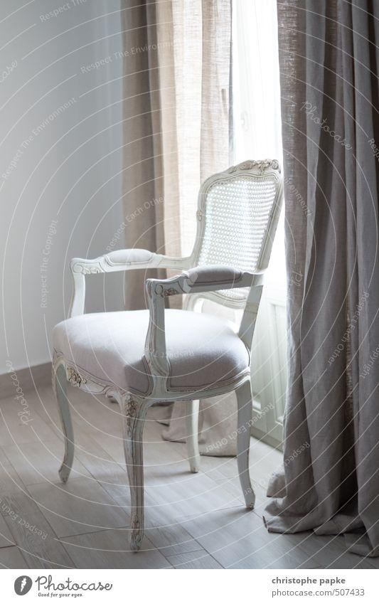 Sitzgelegenheit Innenarchitektur grau Holz hell Wohnung Raum elegant Häusliches Leben Design Dekoration & Verzierung ästhetisch Stuhl historisch Möbel trendy Wohnzimmer