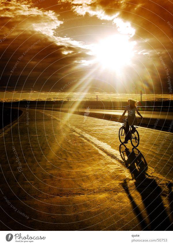 Into the light Himmel Sonnenuntergang sun clouds sky Fahrrad road freedom