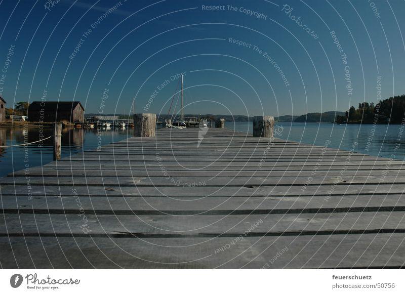 Blaue Idylle Steg See Wasserfahrzeug Einsamkeit Himmel Schweden