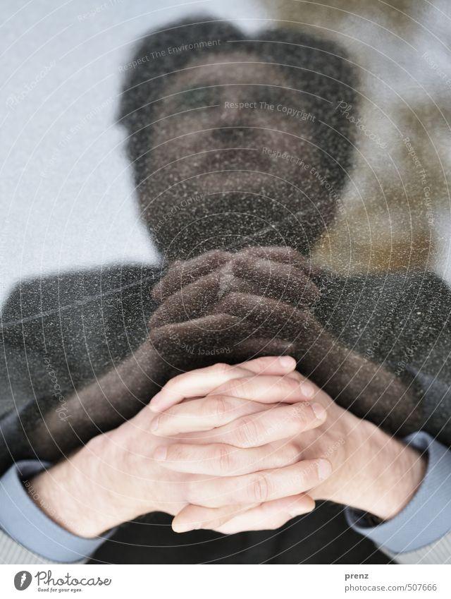 Pause Mensch maskulin Mann Erwachsene Kopf Hand 1 30-45 Jahre braun grau Erholung Herbst Tischplatte Naturstein Farbfoto Außenaufnahme Experiment