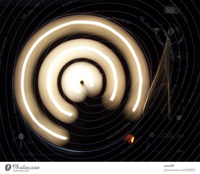 Turntable II dunkel Bewegung Drehung kreisen Kerze Kreis Plattenspieler Teelicht Plattenteller dual Drehscheibe Lichtbahn Kreisbahn 33 rpm Umdrehungsgeschwindigkeit