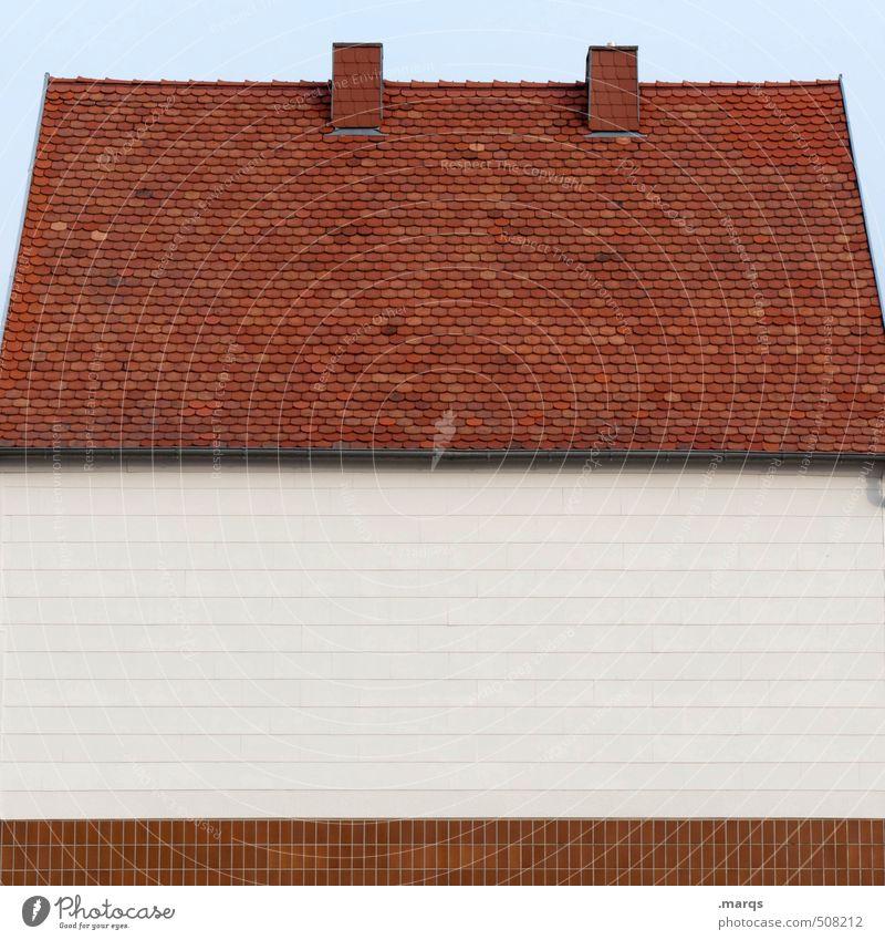 Haus Haus Wand Architektur Gebäude außergewöhnlich Fassade Häusliches Leben geschlossen einfach Dach Wolkenloser Himmel Fliesen u. Kacheln Schornstein gestreift horizontal Einfamilienhaus