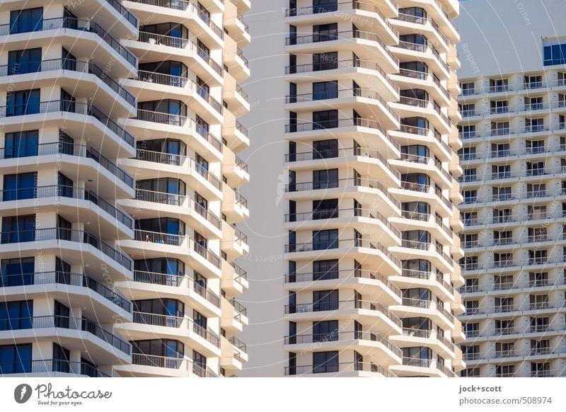 balcony Stil Wärme Queensland Hochhaus Hotel Fassade Balkon Fenster Beton leuchten eckig hoch modern gleich Ordnung Symmetrie Reichtum Block Sonnenseite Etage
