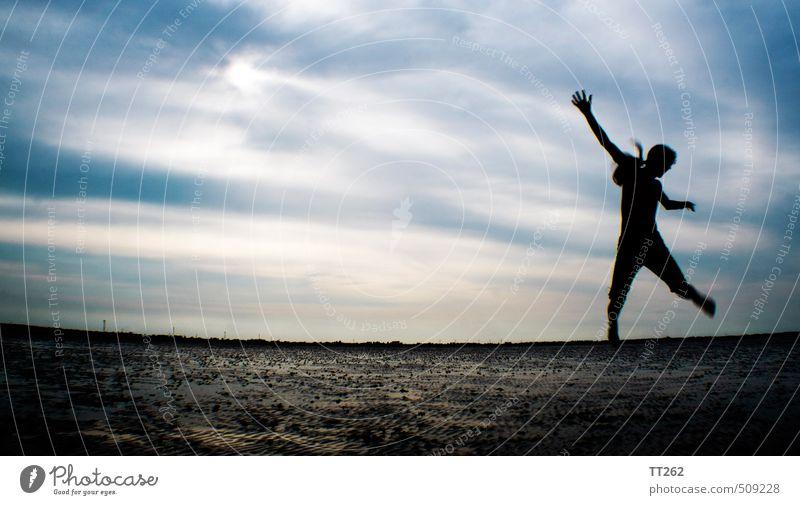 sprunghaft Himmel Ferien & Urlaub & Reisen Meer Wolken Strand Ferne Leben Sport Bewegung Freiheit Sand springen Zufriedenheit Tourismus wandern Insel