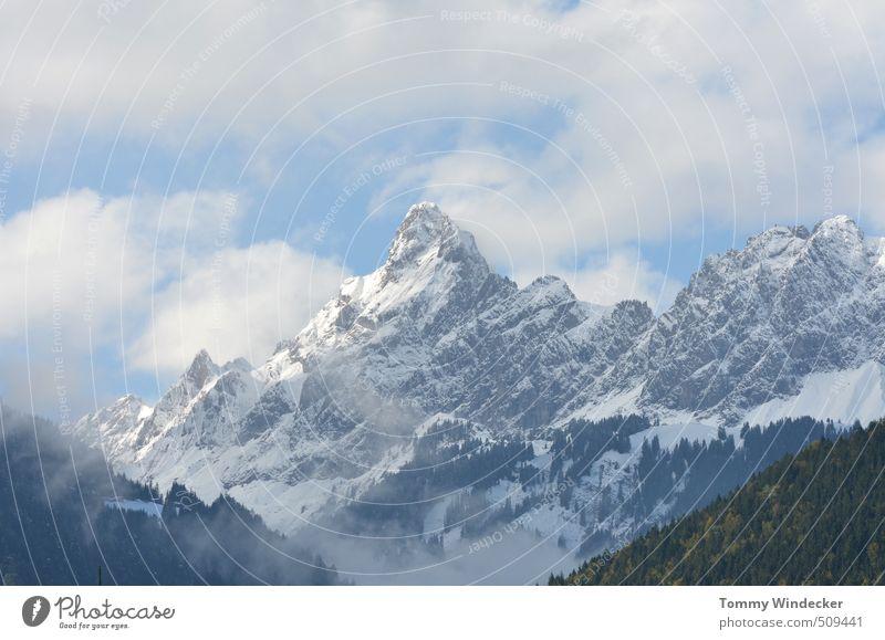 Montafon Freizeit & Hobby Ferien & Urlaub & Reisen Tourismus Winterurlaub Bergsteigen Skigebiet Bergsteiger Natur Landschaft Wolken Schönes Wetter Schnee Felsen