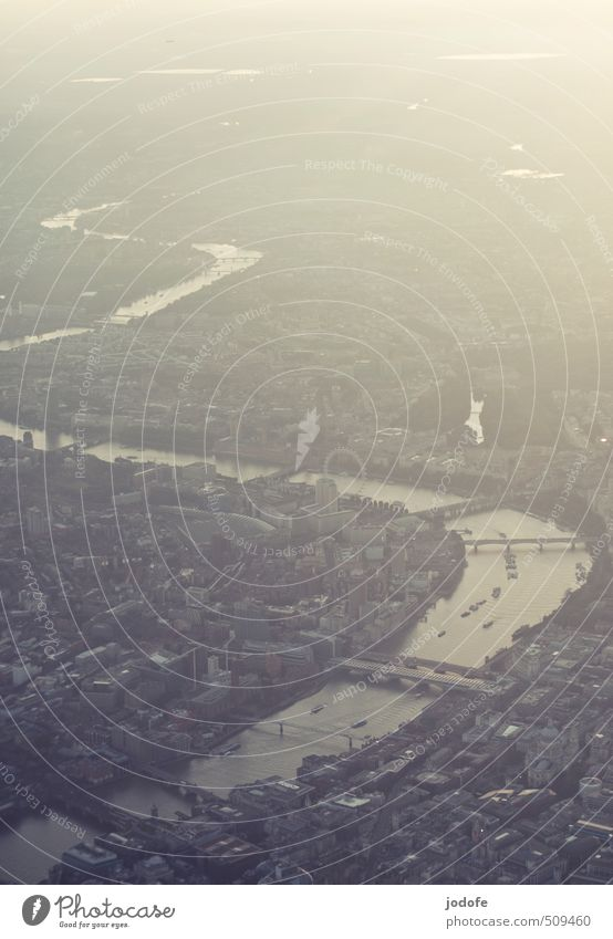 Dream of Flying Stadt Hauptstadt Stadtzentrum bevölkert Gebäude Blick Stimmung Tourismus Güterverkehr & Logistik Wachstum Wandel & Veränderung Wege & Pfade