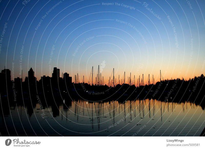 Vancouver Harbor-Sunset Kanada Amerika Stadt Hafenstadt Skyline Menschenleer Bauwerk Gebäude Architektur Schifffahrt Segelboot Wasser leuchten
