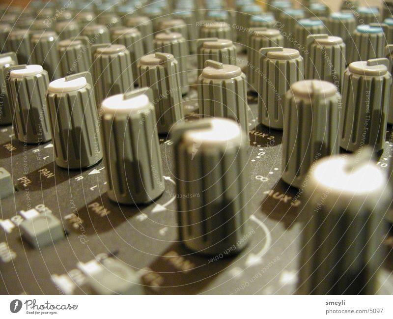 Mixing Console schön blau grau Musik Freizeit & Hobby Kommunizieren Technik & Technologie entdecken Klang gebrauchen Musikmischpult Makroaufnahme