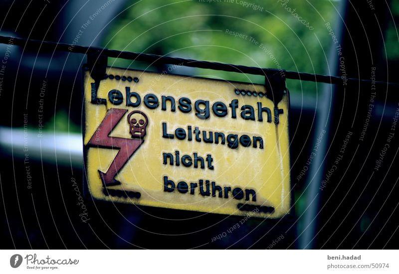 Lebensgefahr Leitung nicht berühren Bahnhof Zürich Stadelhofen Stromschlag sbb