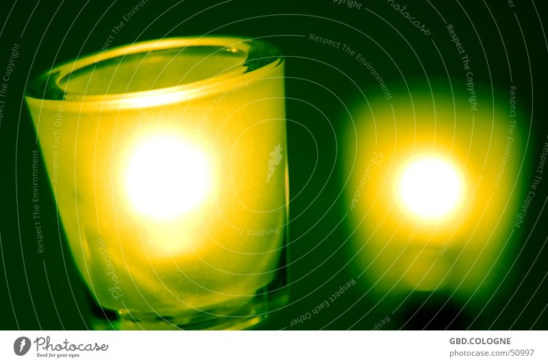 Grünes Licht Lampe Erkenntnis grün grün-gelb Unschärfe Dekoration & Verzierung Elektrisches Gerät Technik & Technologie Beleuchtung hell Glas Detailaufnahme