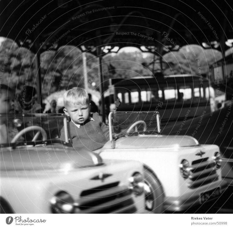 Schützenfest Kinderkarussell Dorf Karussell Jahrmarkt Veranstaltung Fünfziger Jahre Freude Freizeit & Hobby Junge PKW Bus Feste & Feiern