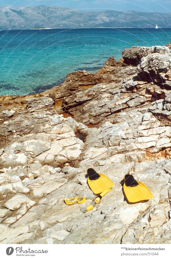 Tag am Meer (Korcula/Kroatien) blau Wasser grün Ferien & Urlaub & Reisen Sonne Sommer Strand ruhig Erholung Spielen Berge u. Gebirge Küste Stein