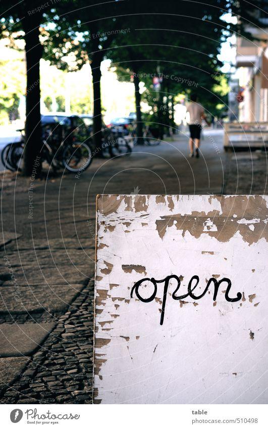 still open alt Stadt Sommer Baum Haus Umwelt Straße Herbst Frühling Holz Berlin Stein gehen Fahrrad laufen Schilder & Markierungen