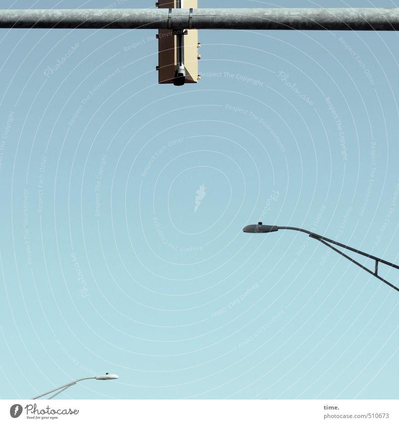 Kleinstadtzoo Eisenrohr Befestigung Kunst Architektur Schönes Wetter Straßenbeleuchtung Stadt Verkehr Verkehrswege Straßenkreuzung Wege & Pfade Verkehrszeichen