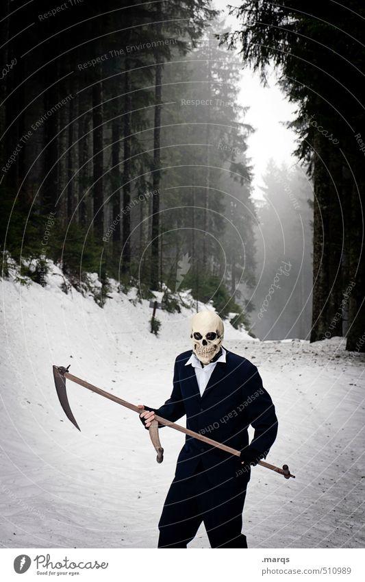 Früher oder später Halloween androgyn Körper 1 Mensch Umwelt Natur Landschaft Winter Nebel Schnee Wald Maske Sense Sensenmann Zeichen stehen außergewöhnlich