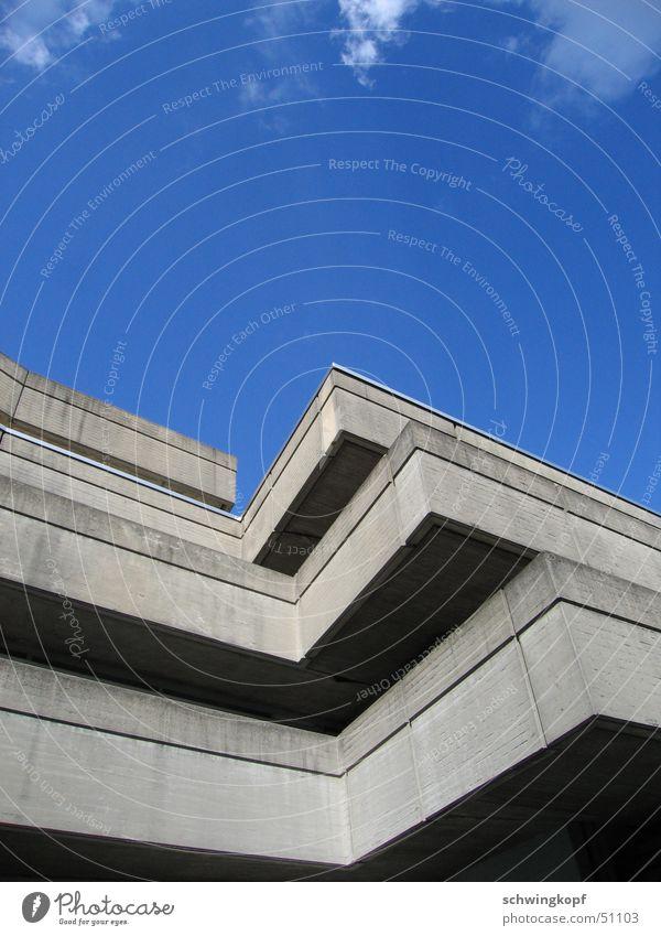 beton am himmel Haus Wolken grau Beton Studium schön Gebäude weiß Köln Außenaufnahme Himmel blau Ecke hoch Sonne Deutschland Architektur
