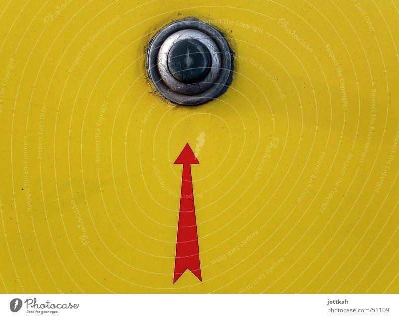 push the button gelb dreckig Pfeil Knöpfe Schalter drücken