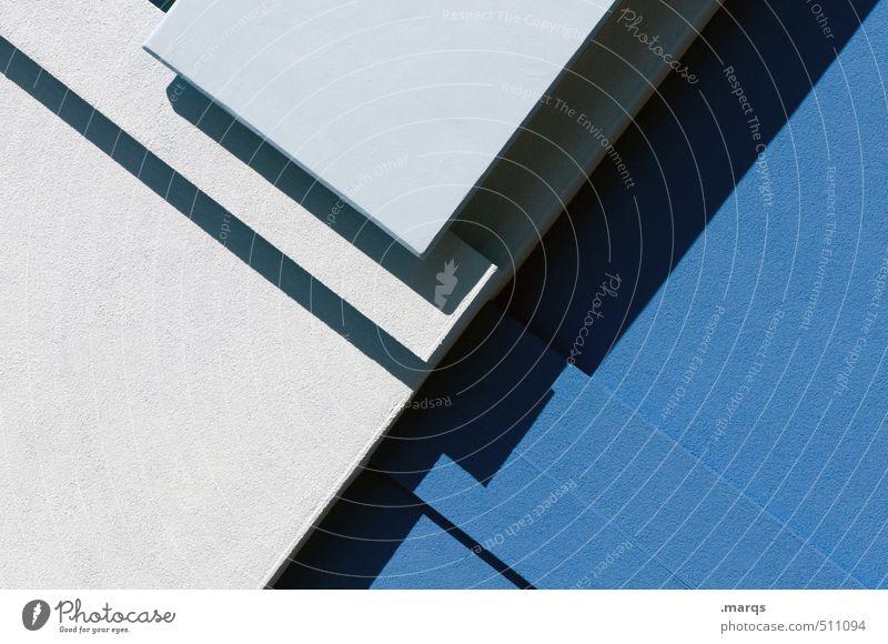 Kantig blau Wand Mauer Architektur Stil Linie elegant Lifestyle Design modern Beton einfach trendy eckig Präzision
