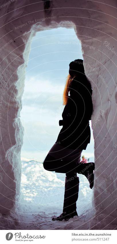 alaska's rote meile :) feminin Junge Frau Jugendliche Erwachsene Leben Eis Frost Schnee blond langhaarig Erotik Stil schön Stiefel Iglu Schneelandschaft elegant