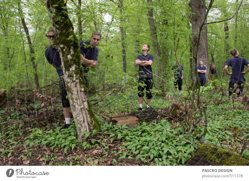 Sieben Natur grün Baum Landschaft ruhig Freude Wald Spielen Menschengruppe träumen Freundschaft Kunst Zusammensein maskulin Fröhlichkeit verrückt