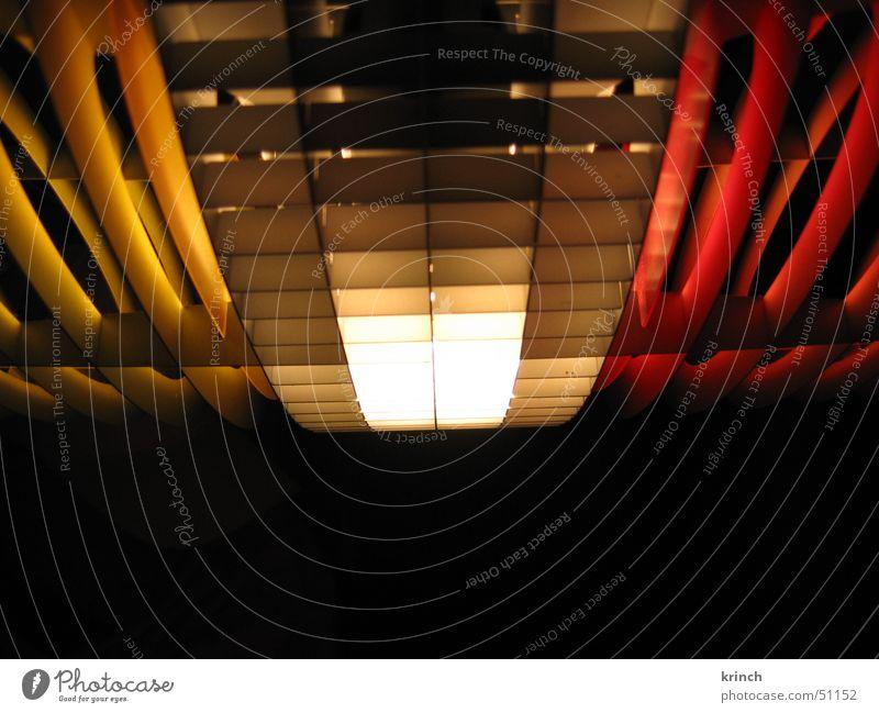 Designerlampe rot gelb Lampe Beleuchtung Lamelle
