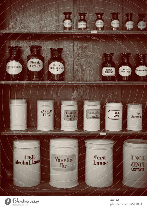 Verfallsdatum überschritten alt Holz Metall Glas Schriftzeichen planen Sicherheit historisch Vergangenheit viele Medikament Tradition Dienstleistungsgewerbe