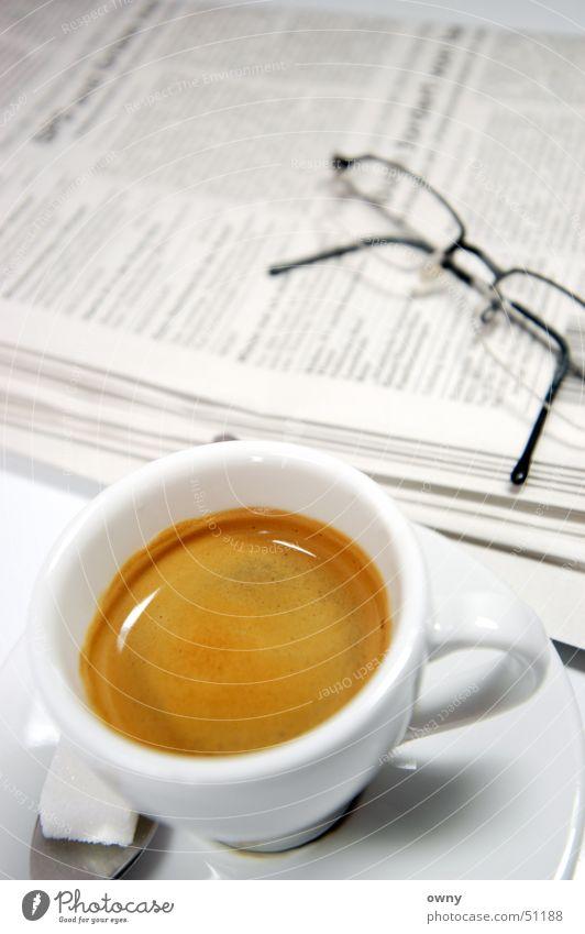 Kaffee aktuell aufwachen Café Zucker Zeitung Espresso Brille aufstehen Medien Business