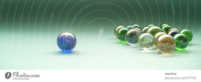Grüne Murmeln grün Freude Farbe Spielen Bewegung Stein träumen Arbeit & Erwerbstätigkeit Kraft Glas modern Erfolg Kreis Sicherheit Macht rund