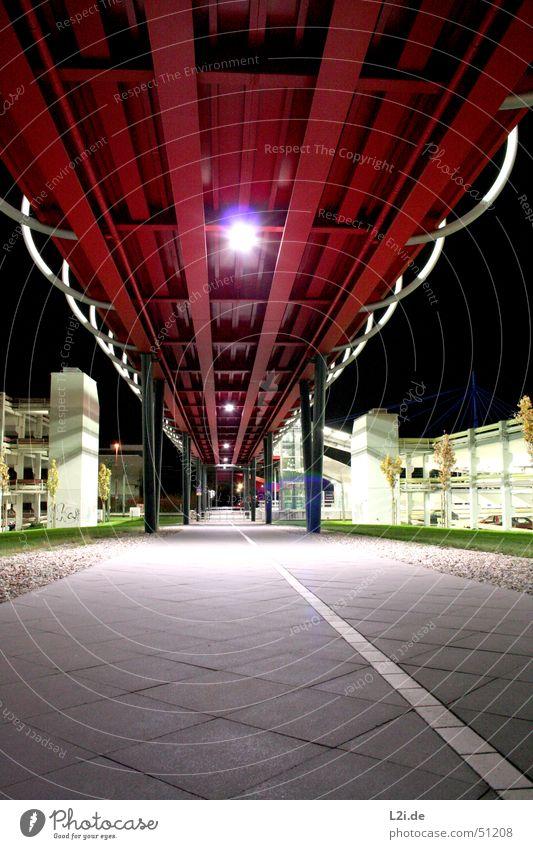 on the way back from ... Himmel Baum grün rot Wiese grau Stein Wege & Pfade PKW Metall Studium Brücke Rasen Fahrstuhl Parkhaus
