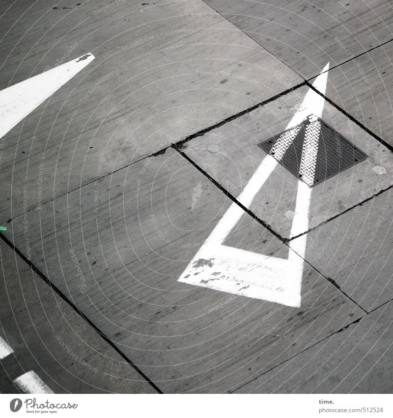Spielregeln III Luftverkehr Flughafen Flugplatz Tankstelle Stein Beton Metall Zeichen Schilder & Markierungen Linie Pfeil Streifen ästhetisch Design entdecken