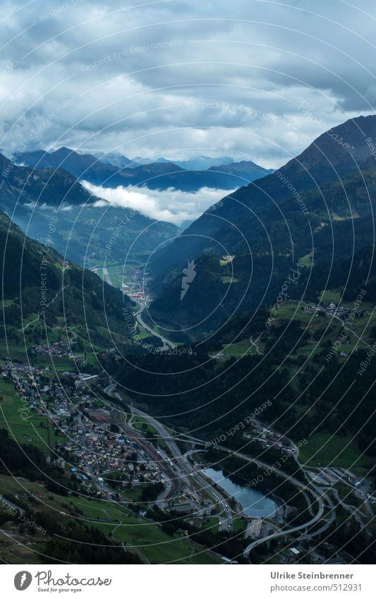 Passo del San Gottardo 2 Natur Landschaft Wolken Herbst schlechtes Wetter Nebel Wald Felsen Alpen Berge u. Gebirge Gipfel Schlucht Airolo Schweiz Kleinstadt
