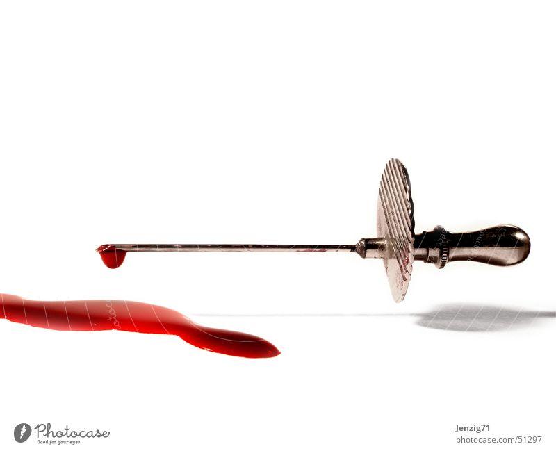 Blood 'n' steel. Wassertropfen Gesundheitswesen Arzt Blut Spritze Pfleger Krankenpfleger Kanüle Bluttest