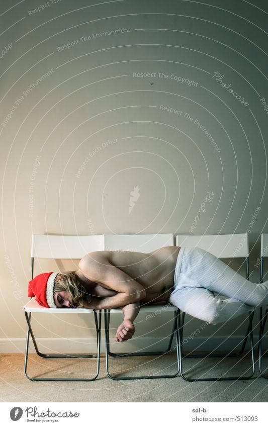 Mensch Jugendliche nackt Weihnachten & Advent Erholung Einsamkeit Junger Mann 18-30 Jahre Erwachsene Traurigkeit lustig Feste & Feiern Party liegen maskulin Raum