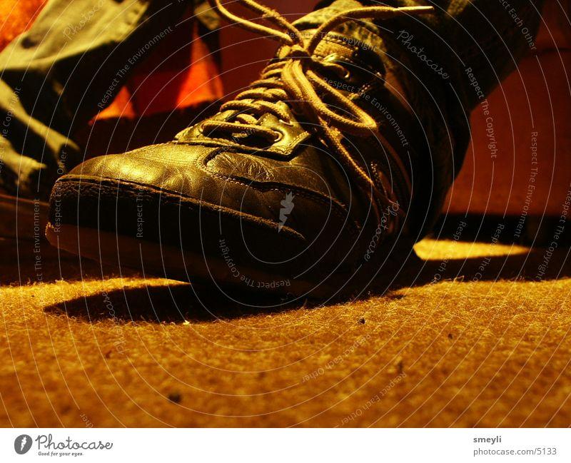 rennsemmel Mensch Schuhe Bodenbelag Teppich Schweiß Schuhbänder