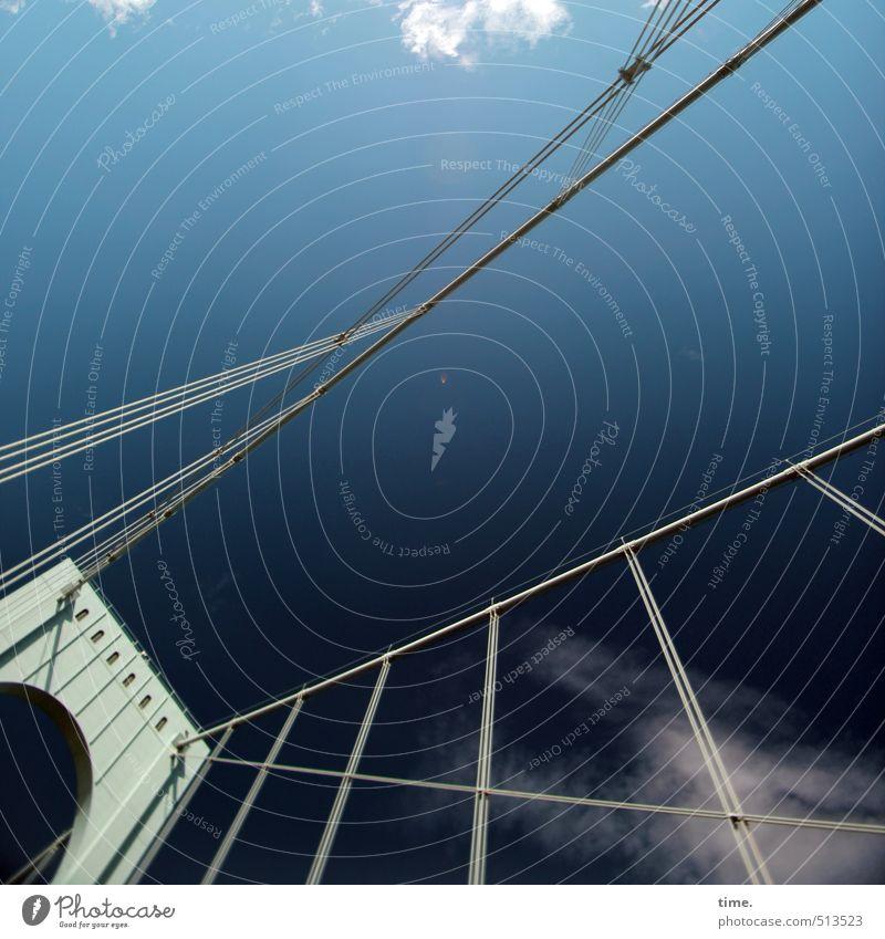 SkyLines Himmel Stadt Wolken Ferne Leben Wege & Pfade Architektur außergewöhnlich Design Tourismus hoch Perspektive Schönes Wetter Brücke Wandel & Veränderung fantastisch