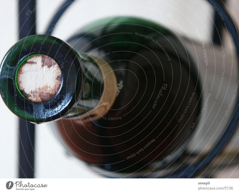 wo ist mein korkenzieher rot Wein Flasche Alkohol Bildausschnitt Anschnitt Weinflasche Flaschenhals Korken Rotwein Glasflasche