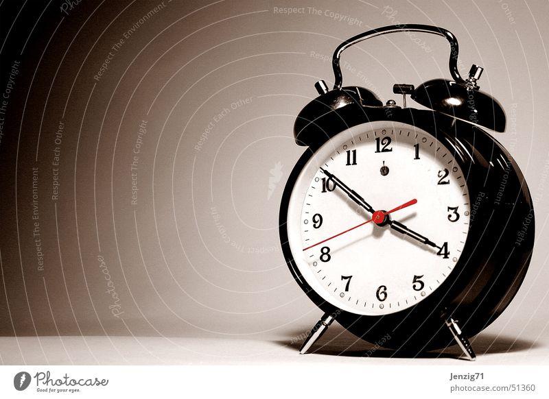 Troublemaker. Zeit Uhr Stress Termin & Datum Wecker aufstehen