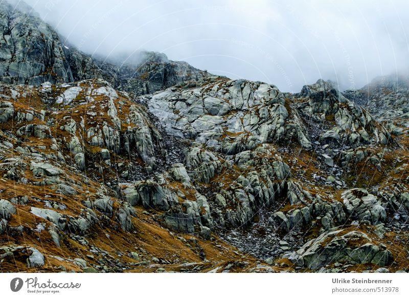 Passo del San Gottardo 1 Natur Ferien & Urlaub & Reisen Landschaft Wolken dunkel kalt Umwelt Berge u. Gebirge Herbst Stein Felsen Regen Nebel Tourismus wandern