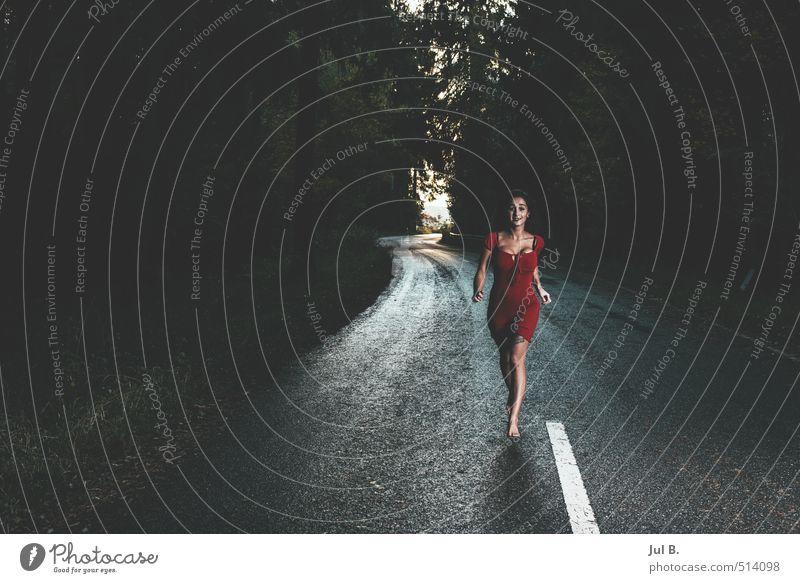 lauf!! Jugendliche Junge Frau feminin Körper laufen heiß Rock