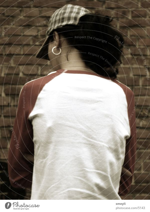 einsam Frau feminin Rückseite Mütze Baseballmütze Mensch Rücken