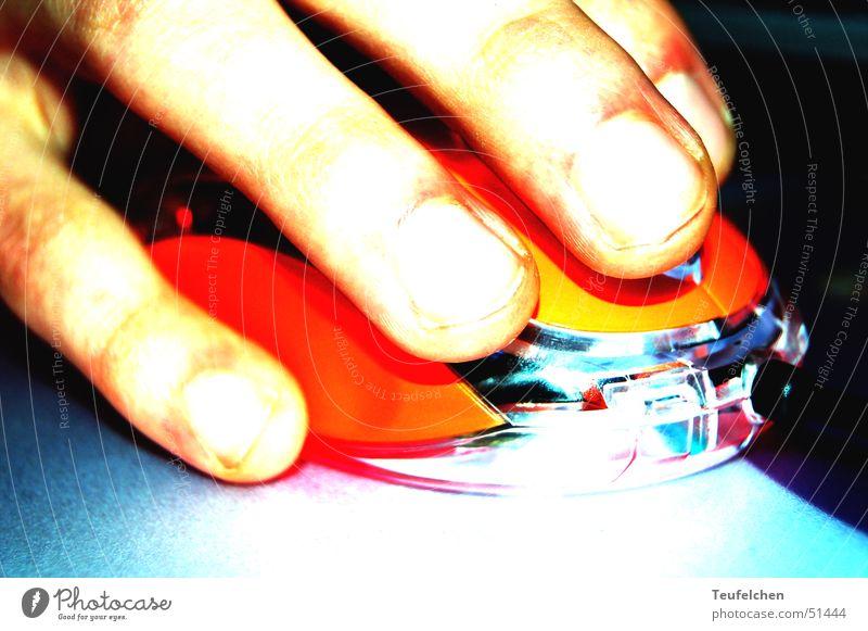 push the button Hand Arbeit & Erwerbstätigkeit Bewegung Computer orange Finger Technik & Technologie Computermaus Informationstechnologie drücken Hardware