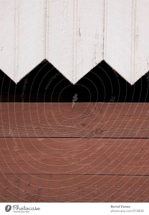 ^^ Fassade schön braun schwarz weiß Holzbrett Dekoration & Verzierung sägerauh Zickzack Strukturen & Formen Kontrast quer hochkant Farbe Außenseite Scheune