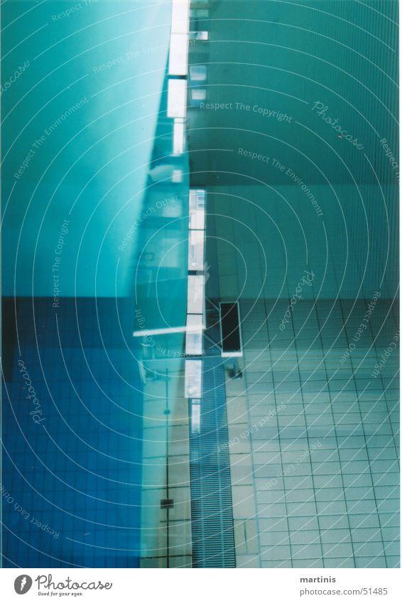 halb und halb schwimmbad blau springen Schwimmbad Turm Fliesen u. Kacheln Teilung chaotisch Block überlagert Sprungblock