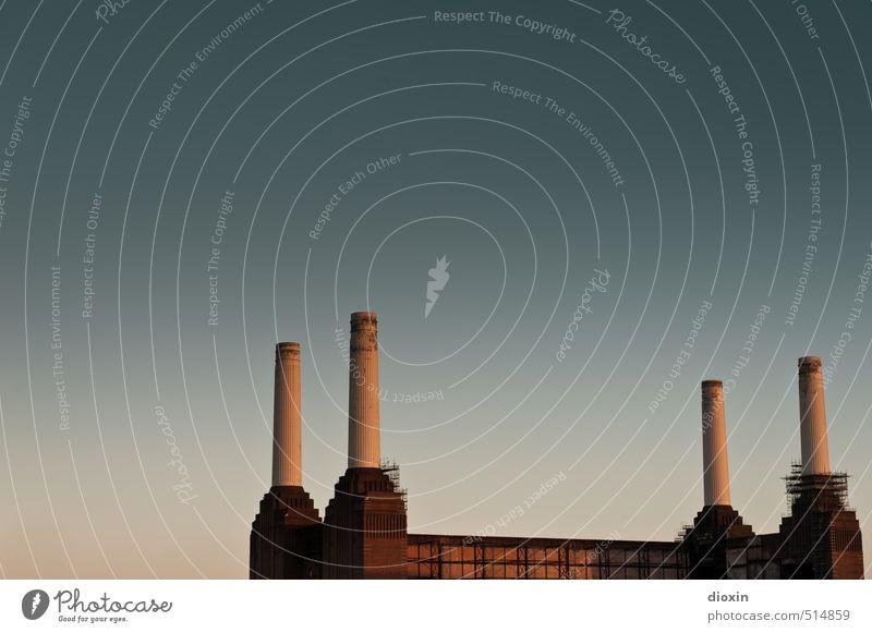 Battersea Power Station Vol.1 alt Stadt Architektur Gebäude außergewöhnlich Energiewirtschaft authentisch hoch historisch Fabrik Bauwerk Sehenswürdigkeit London