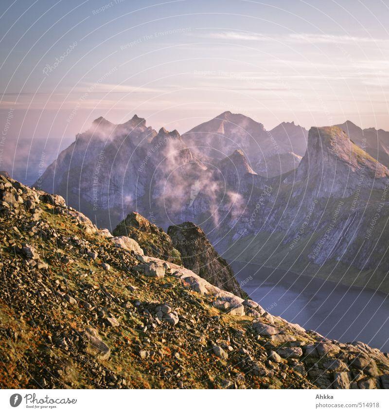 Into the mountain III Natur Ferien & Urlaub & Reisen schön Landschaft Ferne Berge u. Gebirge Gefühle Stimmung rosa elegant leuchten Klima wandern hoch