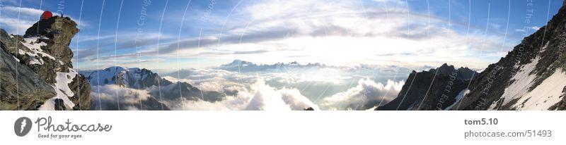 biwakschachtel Himmel Sonne blau Wolken Schnee Berge u. Gebirge wandern groß Horizont Felsen Klettern Alpen Bergsteigen Panorama (Bildformat) Bergkette Biwak