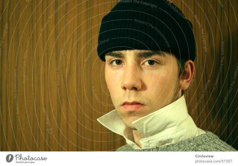 Und ich dachte an den Seemann Mensch Gesicht Auge Kopf Mund Nase T-Shirt Ohr Hemd Mütze Kragen Baseballmütze