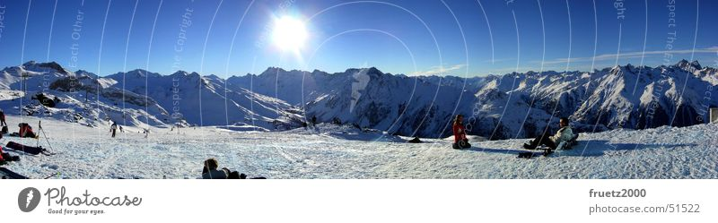 Wintertraum I Mensch Natur Ferien & Urlaub & Reisen blau Sonne Landschaft Freude Winter Berge u. Gebirge Schnee Freiheit groß Alpen Schneebedeckte Gipfel Panorama (Bildformat) Österreich