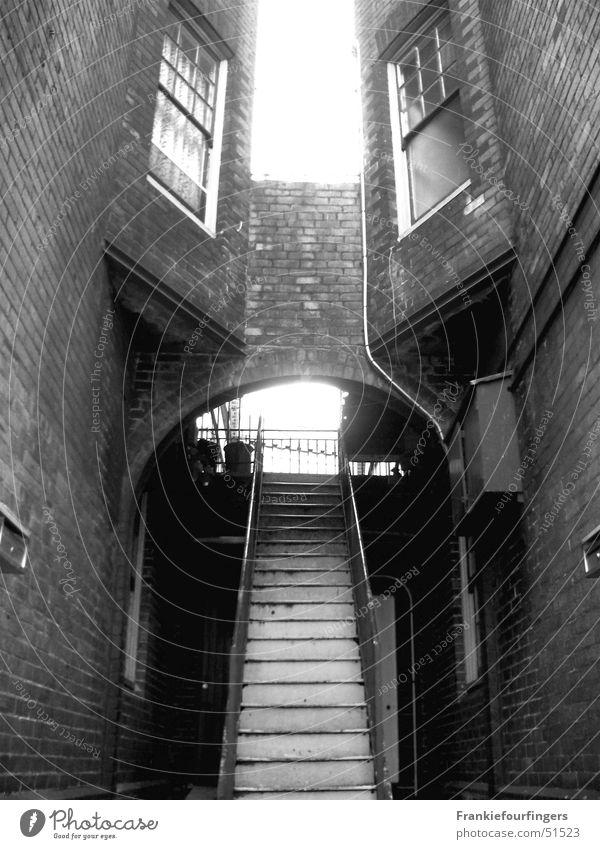 Romeo & Julia Haus kalt Fenster Treppe Backstein Fensterscheibe Bogen Sydney
