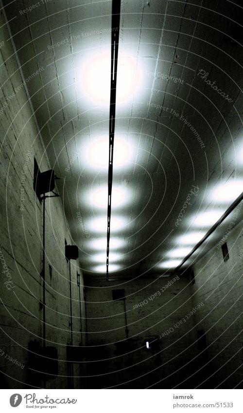 Bunker Tunnel Untergrund Krieg Panik Sicherheit